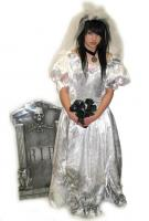 <h2>Zombie bride</h2><p>Zombie bride<br>£22 to hire (Fri-Mon) plus £20 deposit payable on debit/credit card (refunded on return of costume)<br></p>